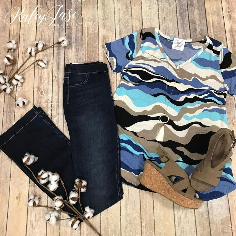Blue Tan Wavy Design Vneck
