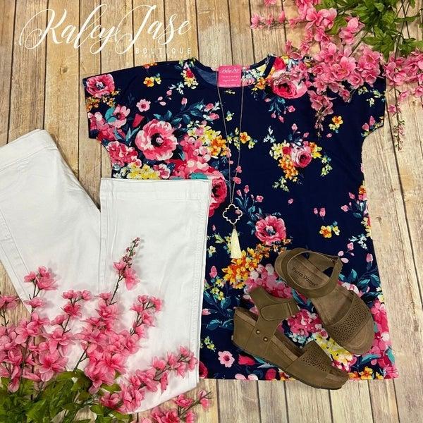 Bright Navy Floral Scoop Top