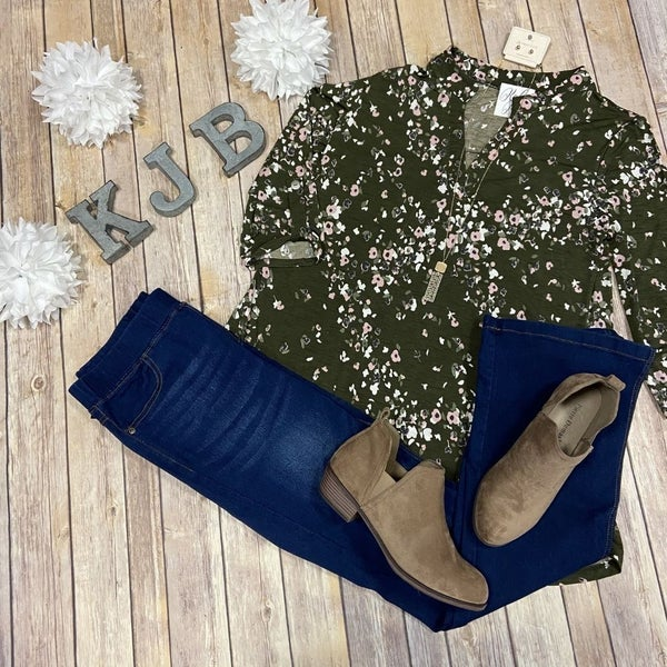 SIL Olive Blush Little Flower Gabby Top