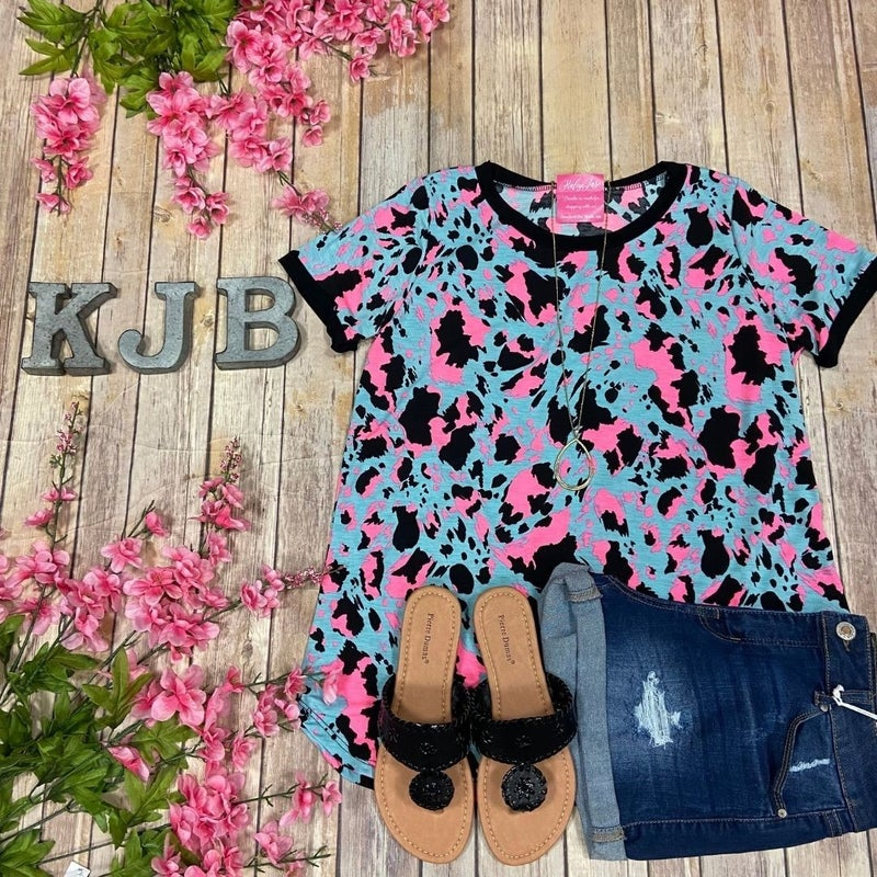 SIL Slate Neon Cow Spotted Scoop Top