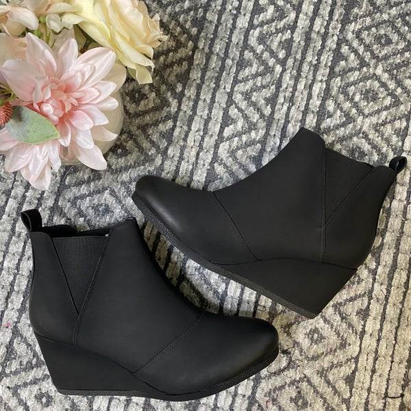 Black Closed Toe Wedges
