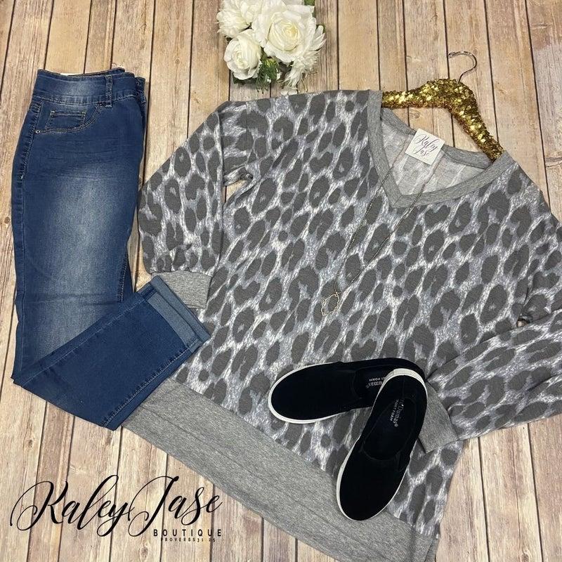 SIL Charcoal Leopard V Top