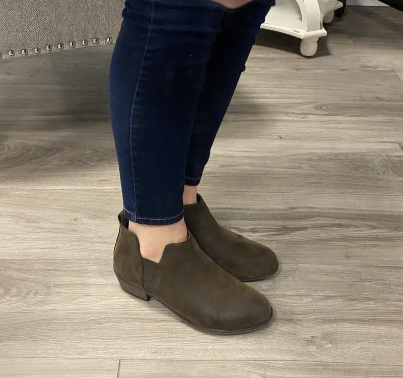 Fall Slide On Booties