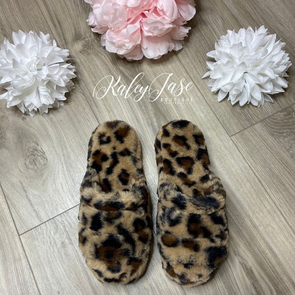 Leopard Slide On Slipper