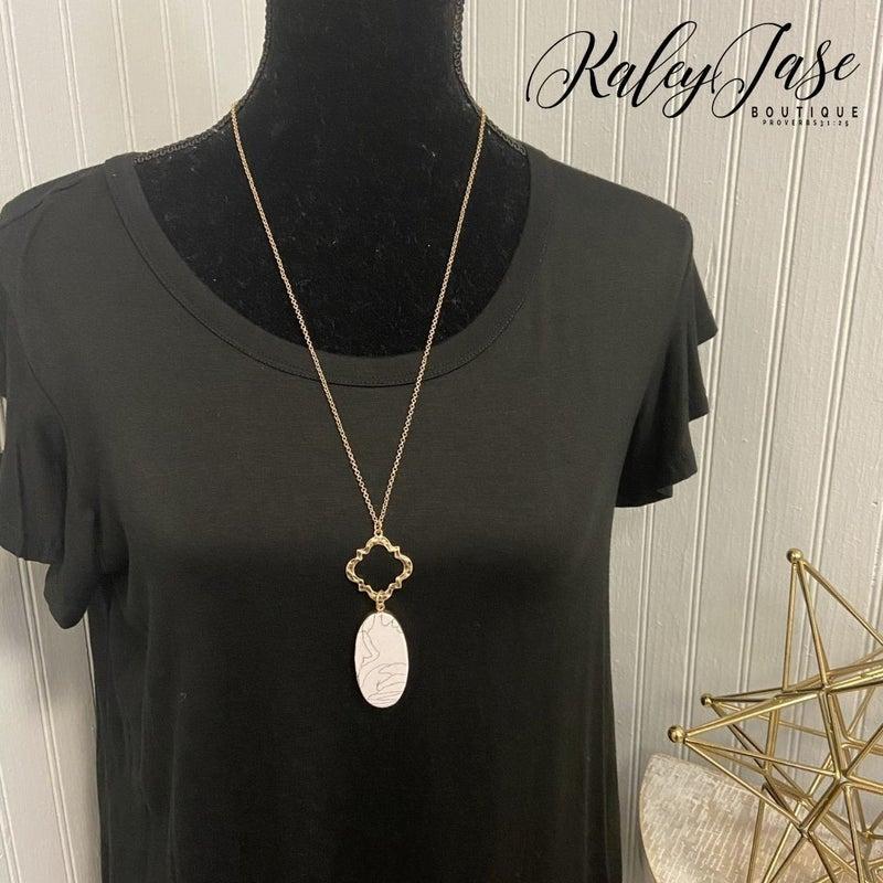Quatrefoil Marble Pendant Necklace #4