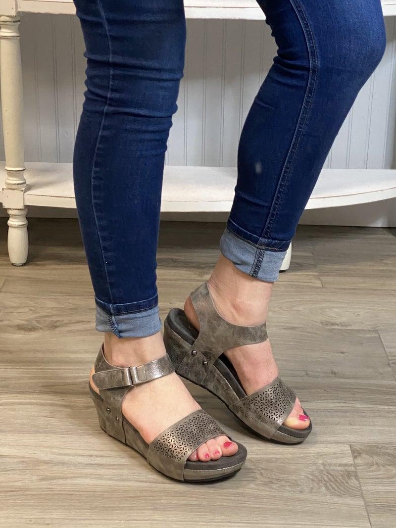 Low Heel Design Wedges