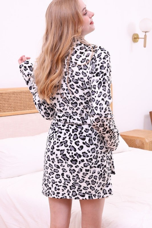 Relaxed Fit Half Length Robe