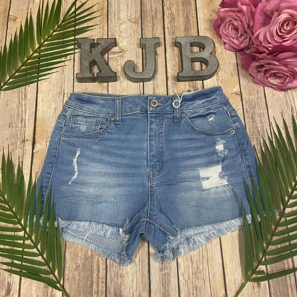 WX  Light Wash Frayed Denim Shorts