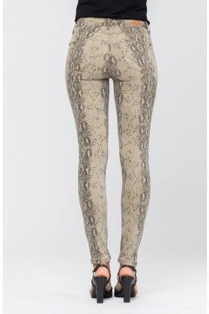 Slither-yn Judy Blue Jeans