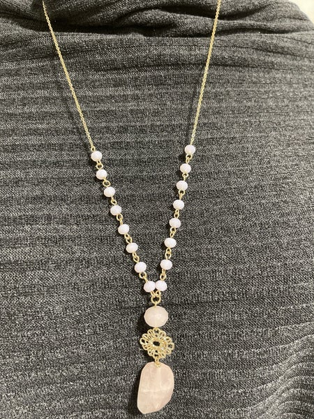 """28"""" cutout flower with nugget stone necklace"""