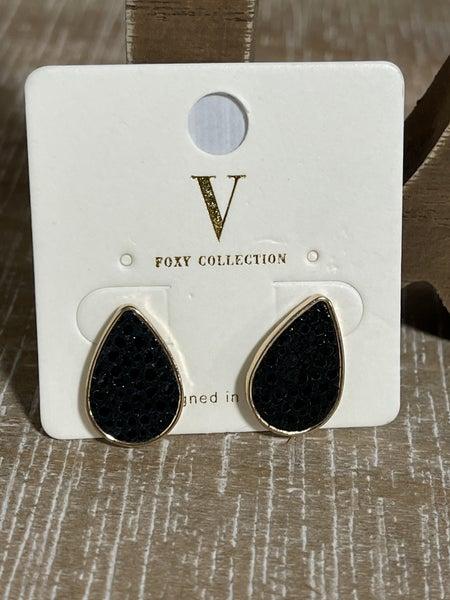Teardrop Stingray leather earrings
