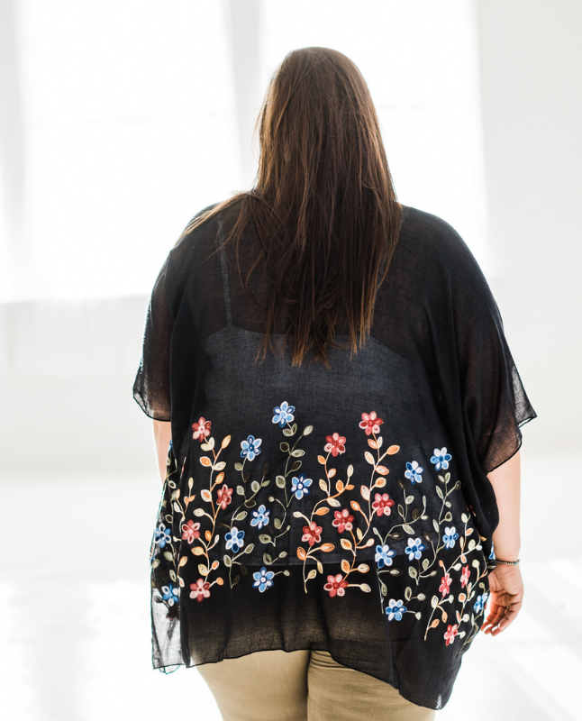 It's Coming Up Daisies Kimono