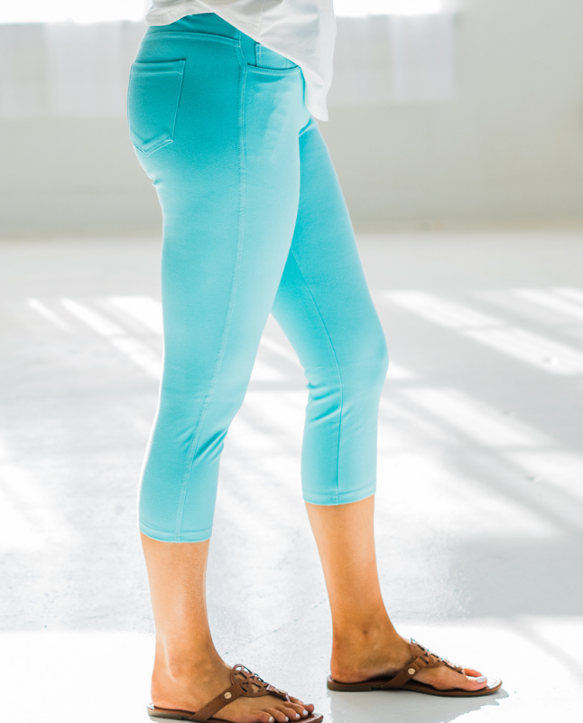 Quintessential Spring Jeggings in Turquoise