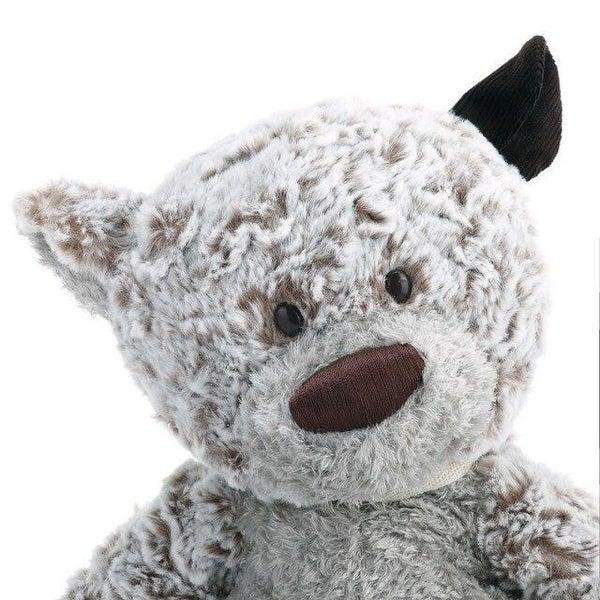 Giving Bear 02091