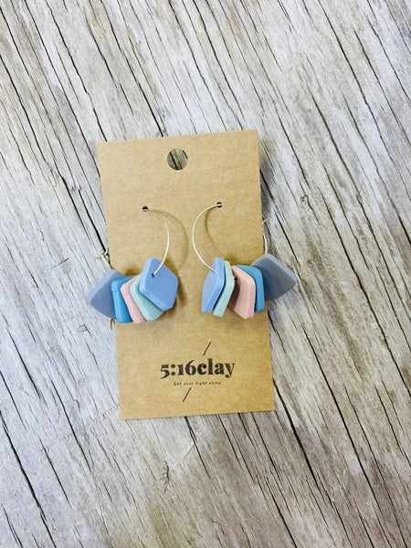 03254- Color Change Clay Earrings