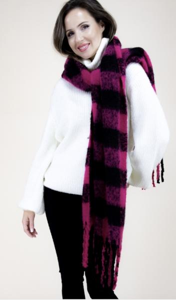 02516- Flannel Scarf Fuchsia