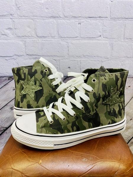 Skylar Sneakers 02423