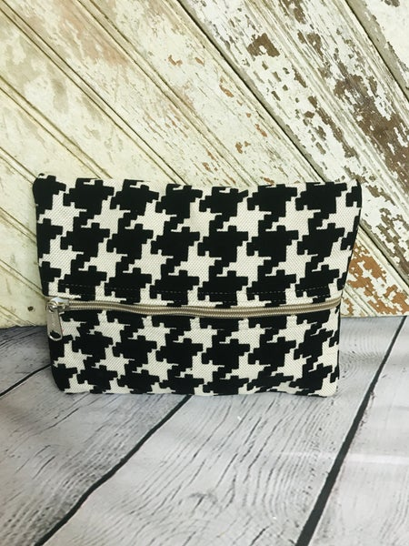 Houndstooth in Black Make-up Zippy