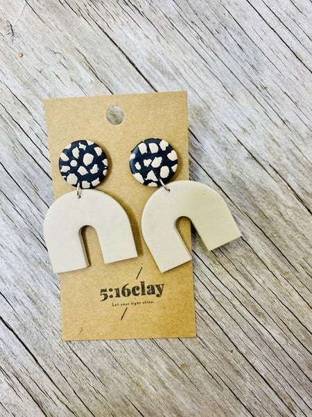 03256- Med. Arch Clay Earrings