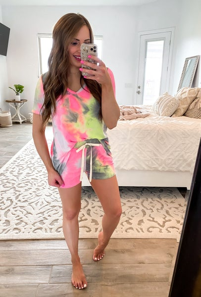 4 colors (S-XL) Tie-Dye To Die For Shorts