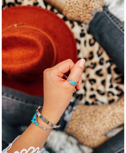Exclusive Feelin Royal Dainty Turquoise Ring
