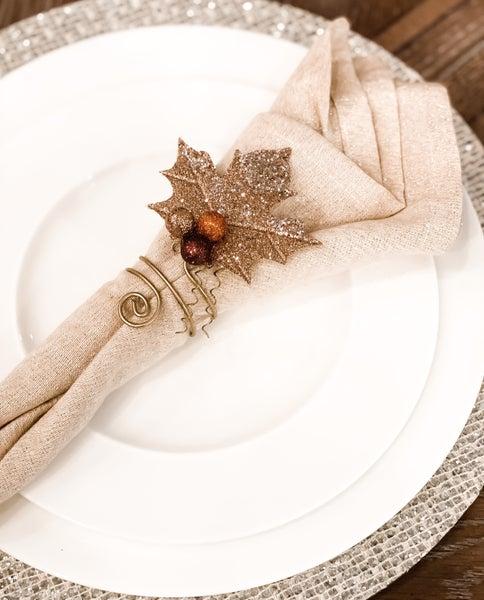 Elegant Leaf Napkin Ring(Set of 4!)