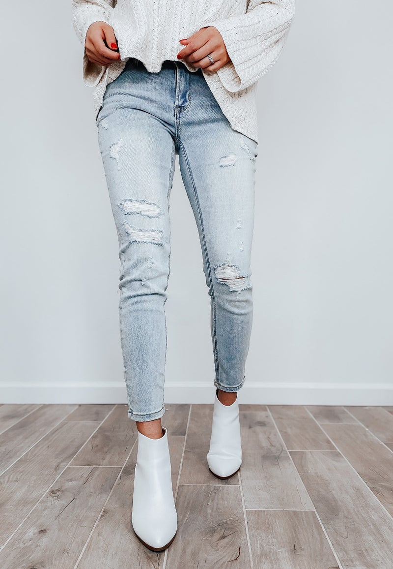 (Secret Brand) Light wash distressed skinny Jean