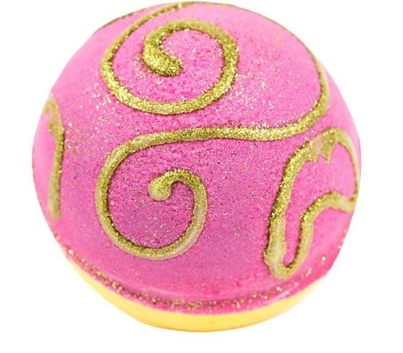 DOORBUSTER: (20 Options!) Holiday Themed Bath Bombs