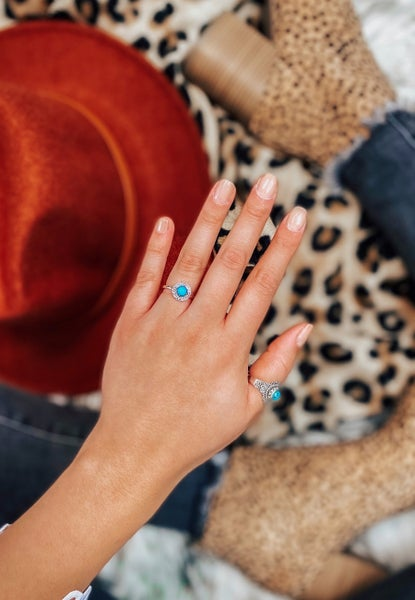 DOORBUSTER: Dainty Turquoise Clover Ring