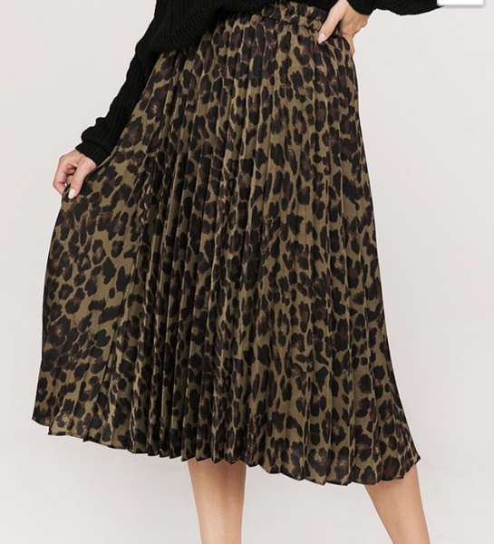 ( 1 M left) Leopard printed pleated skirt