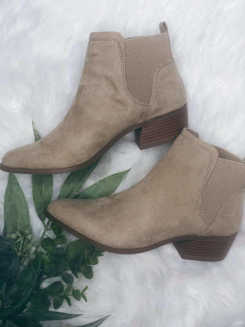 TAUPE ANKLE BOOTIE