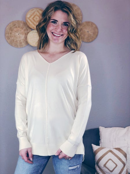 SOFT HIGH-LOW IVORY SWEATER