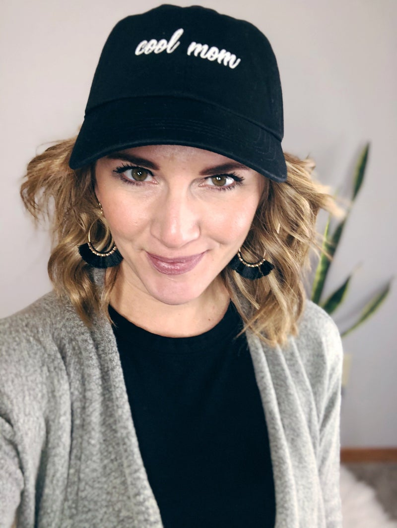 BLACK COOL MOM EMBROIDERED HAT