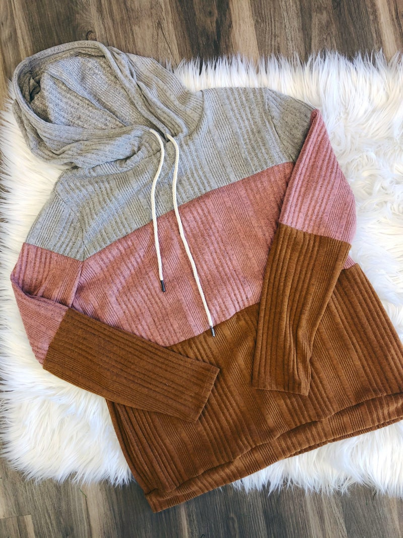 RIBBED COLOR BLOCK HOODIE {EXTENDED SIZES}