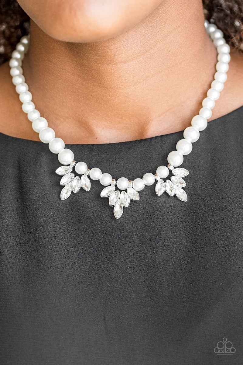 Society Socialite Pearl Necklace