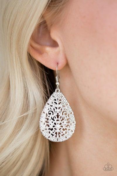 Indie Idol White Earrings