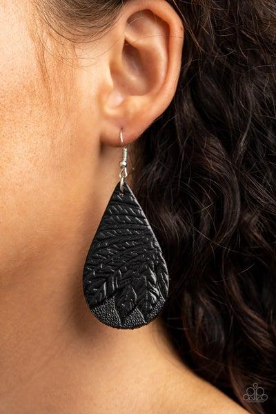 Everyone Remain PALM! Black Earrings