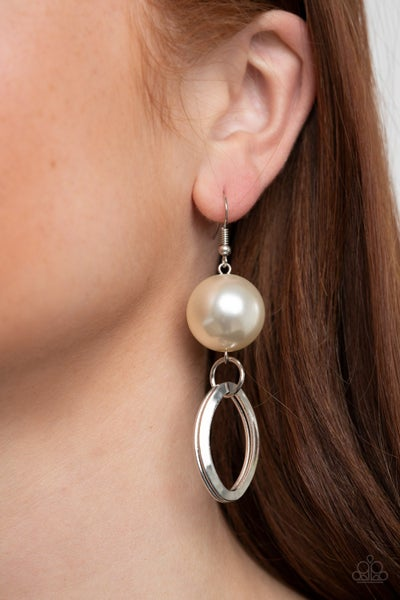 Big Spender Shimmer Pearl Earrings