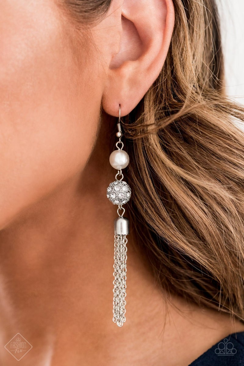 Going Dior to Dior Pearl Earrings