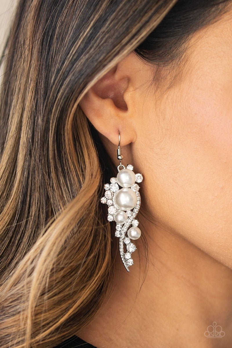 High End Elegance Pearl Earrings
