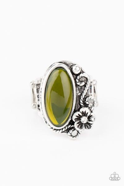 Any Daisy Now Green Ring