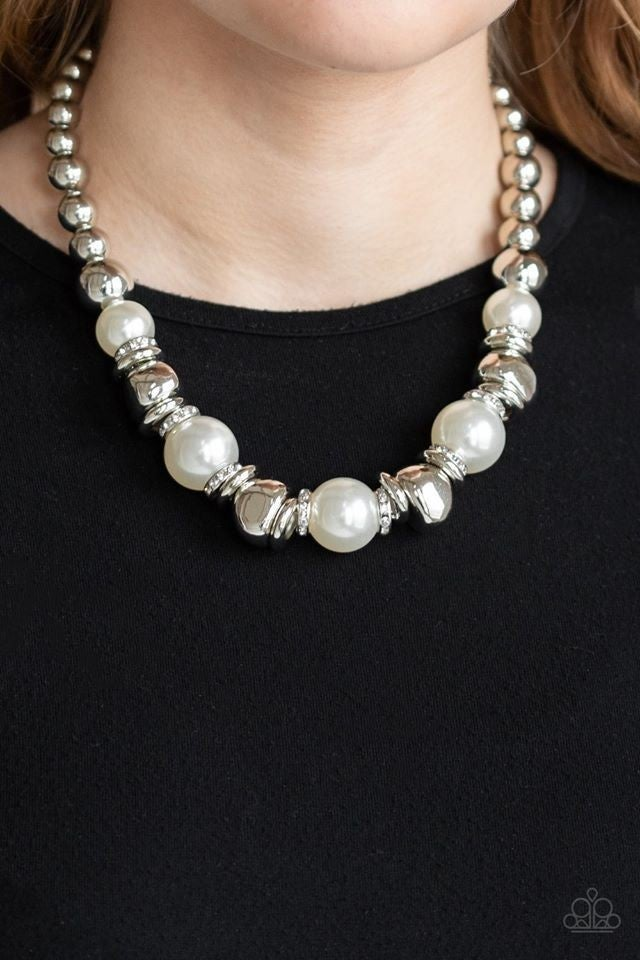 Hollywood Haute Spot Pearl Necklace