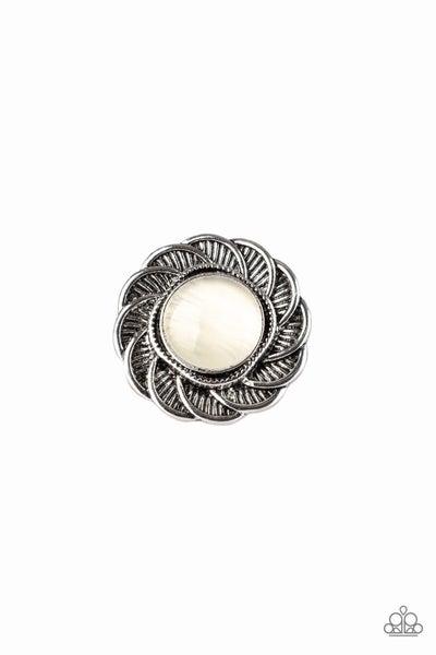 Gardenia Glow White Ring