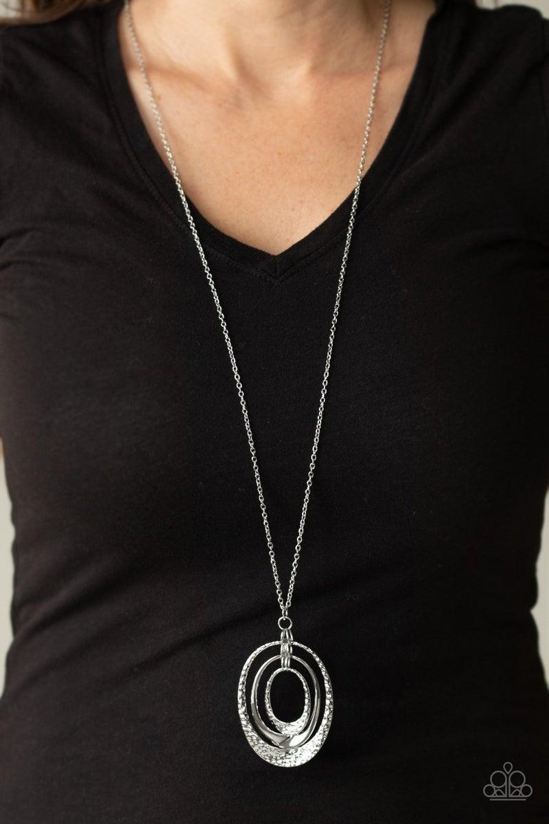 Dizzying Decor Silver Necklace