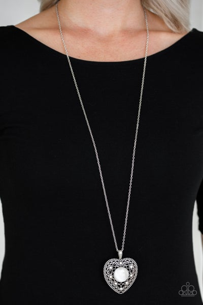 One Heart White Necklace