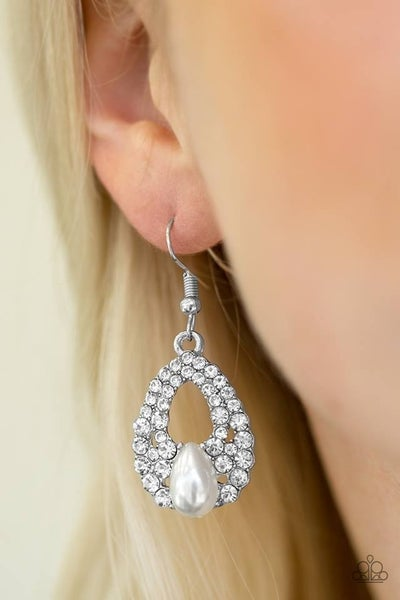 Share The Wealth Pearl Earrings