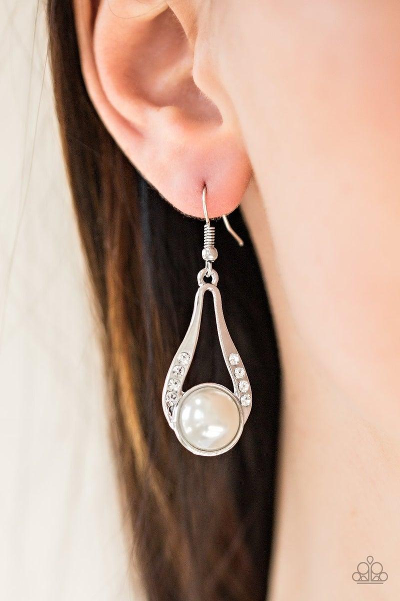 Headliner Over Heels Pearl Earrings