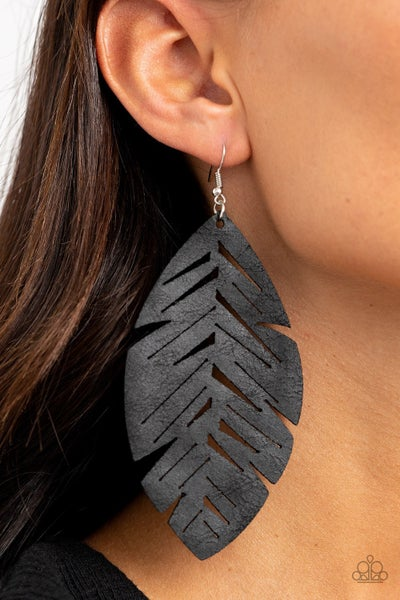 I Want To Fly Black Earrings