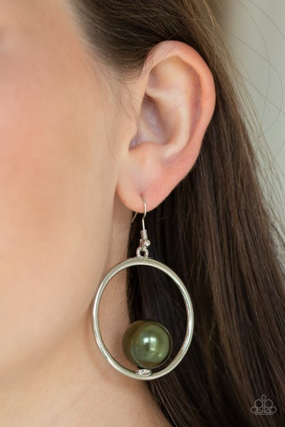 Solitaire Refinement Green Earrings