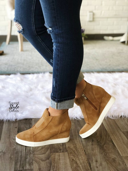 Sneaker Wedges (August Collection)